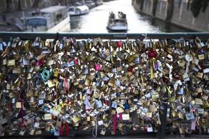 Liebesschlösssr, Paris
