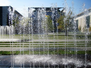 Brunnen vor dem Kanzleramt