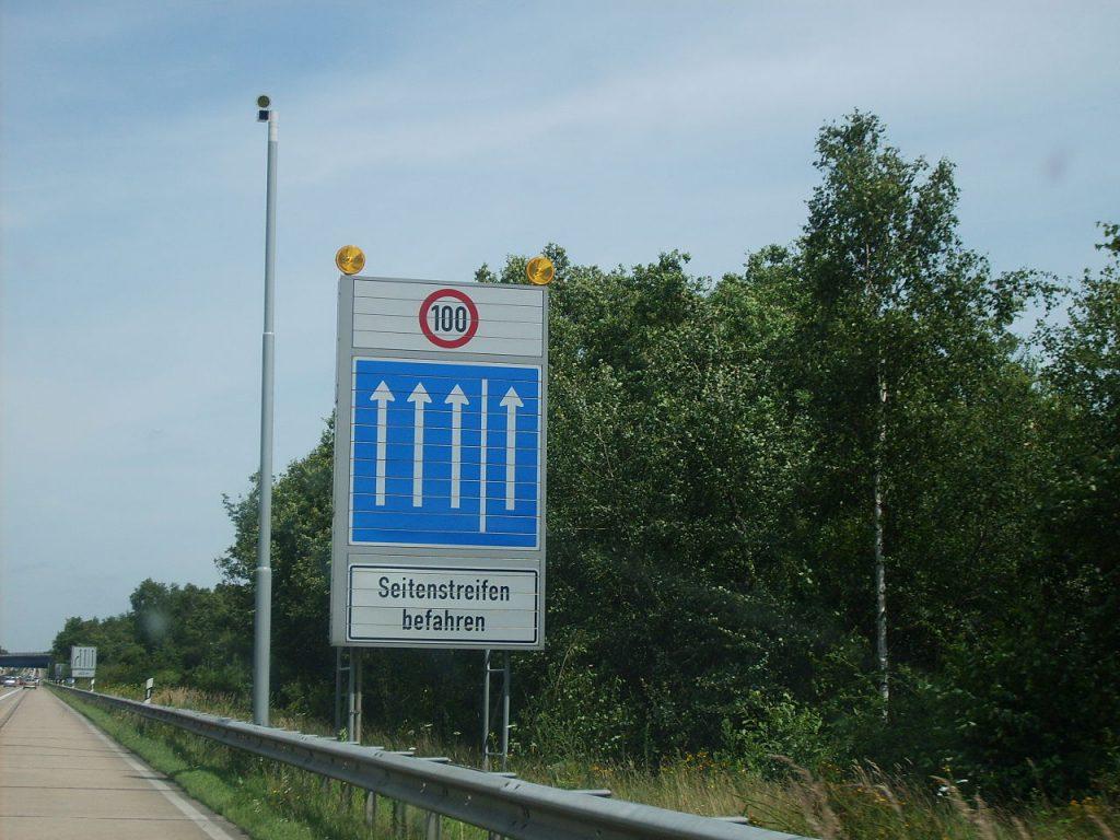 Nutzung Standstreifen auf Autobahn