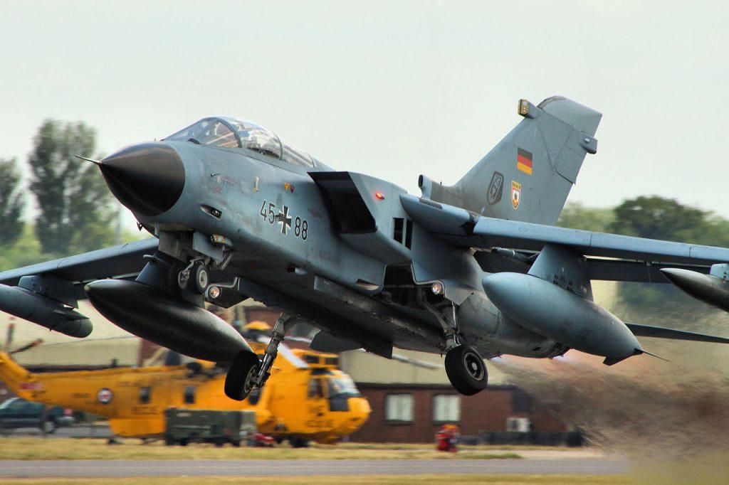 Tornado PA-200